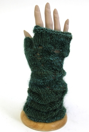 Slouchy lace glove pattern small